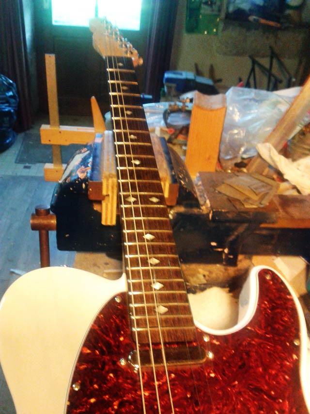 Guitare Télécaster avec touche en rosewood